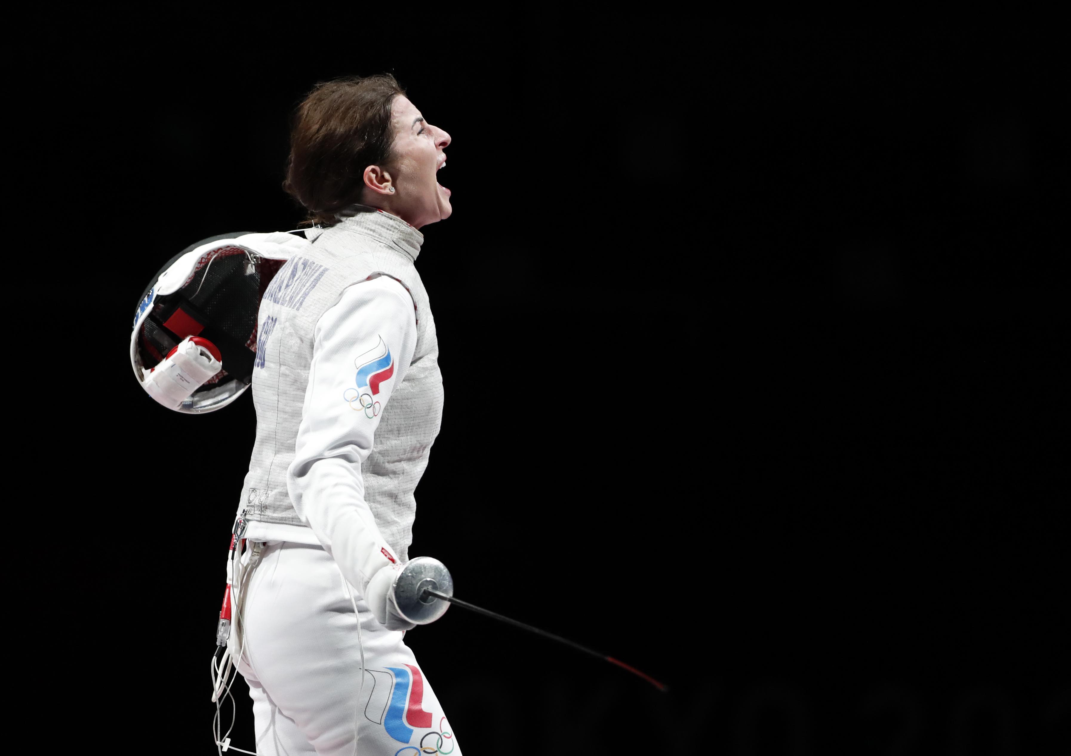 Дериглазова завоевала серебро Олимпиады в фехтовании на рапирах - фото