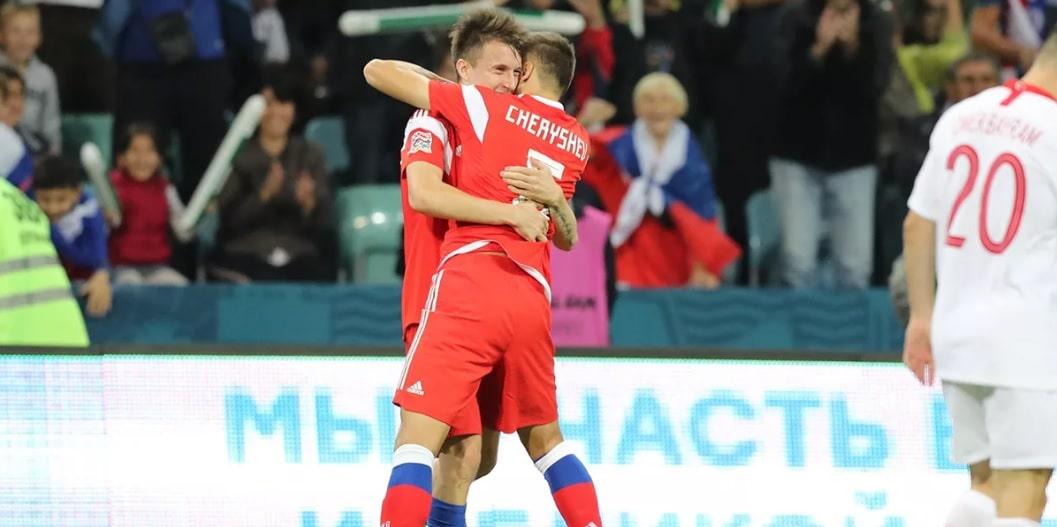 Отец Черышева раскритиковал игру Головина в сборной - фото