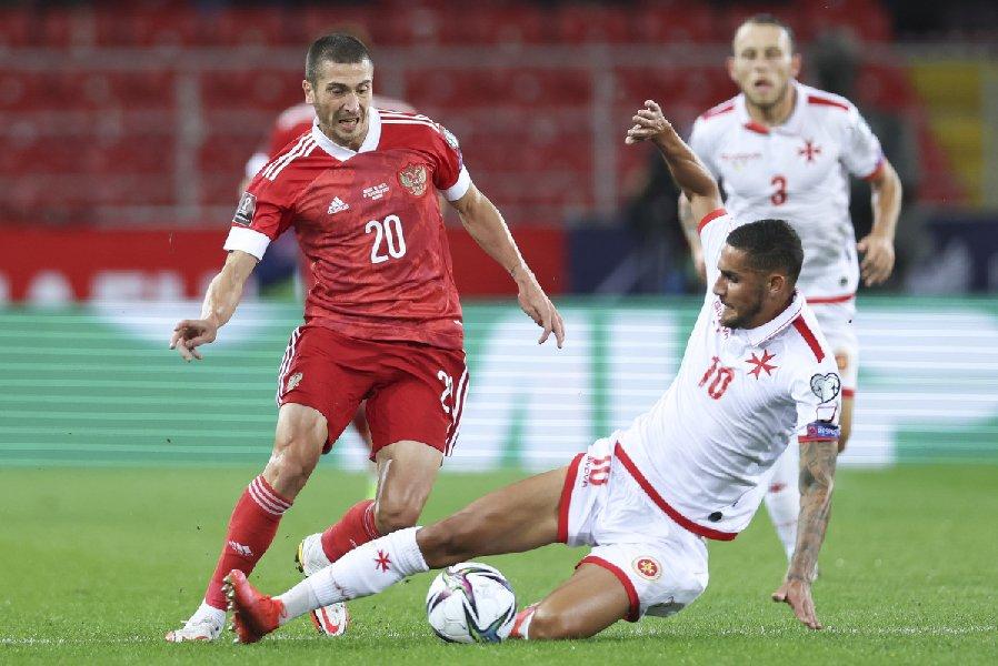 Самедов объяснил, почему у сборной России проблемы с интенсивностью игры  - фото