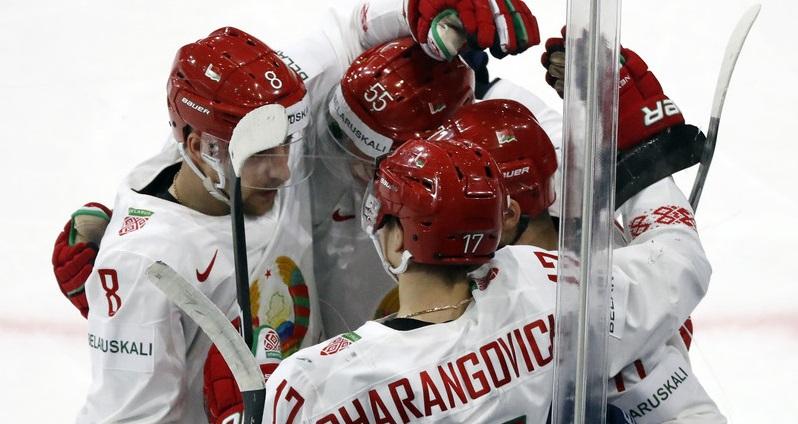 «Разве это в интересах белорусов?»: что говорят о переносе чемпионата мира - фото