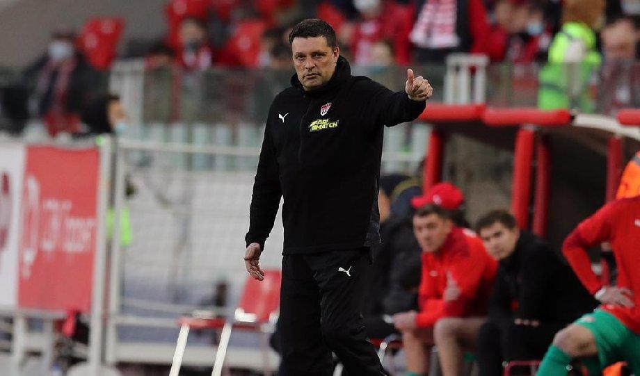 Главный тренер «Химок» рассказал, почему покинул стадион перед матчем с «Уфой» - фото