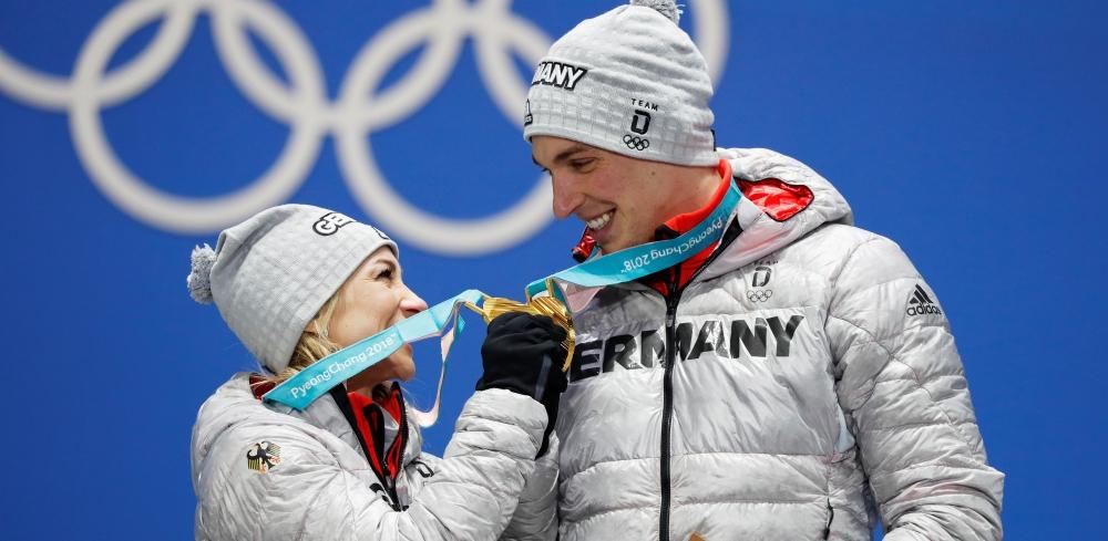 Олимпийские чемпионы Савченко и Массо завершили карьеру - фото