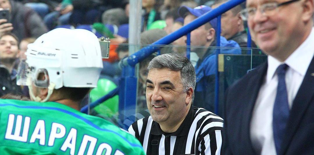Генеральный менеджер «Салавата Юлаева» Леонид Вайсфельд: Гомоляко бросил в меня клюшкой и попал на миллион - фото
