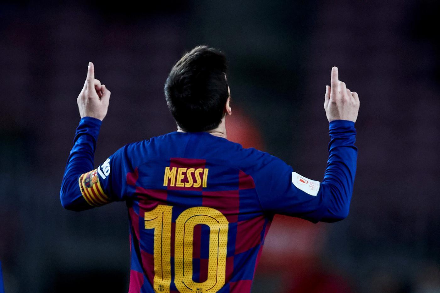 Месси объявил о снижении зарплат игроков «Барселоны» на 70% - фото