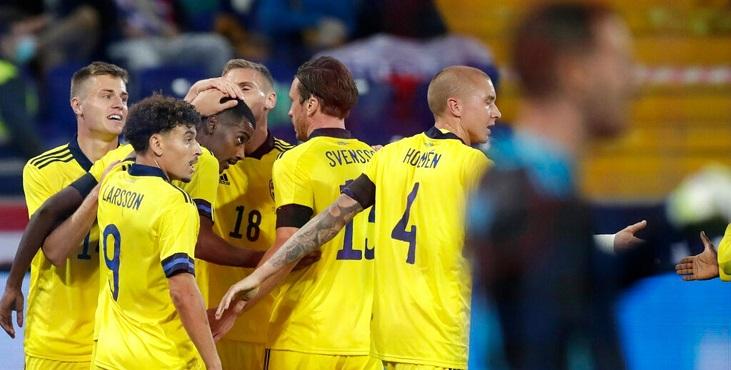 Главный тренер сборной Швеции после победы над Россией отметил представителей РПЛ - фото