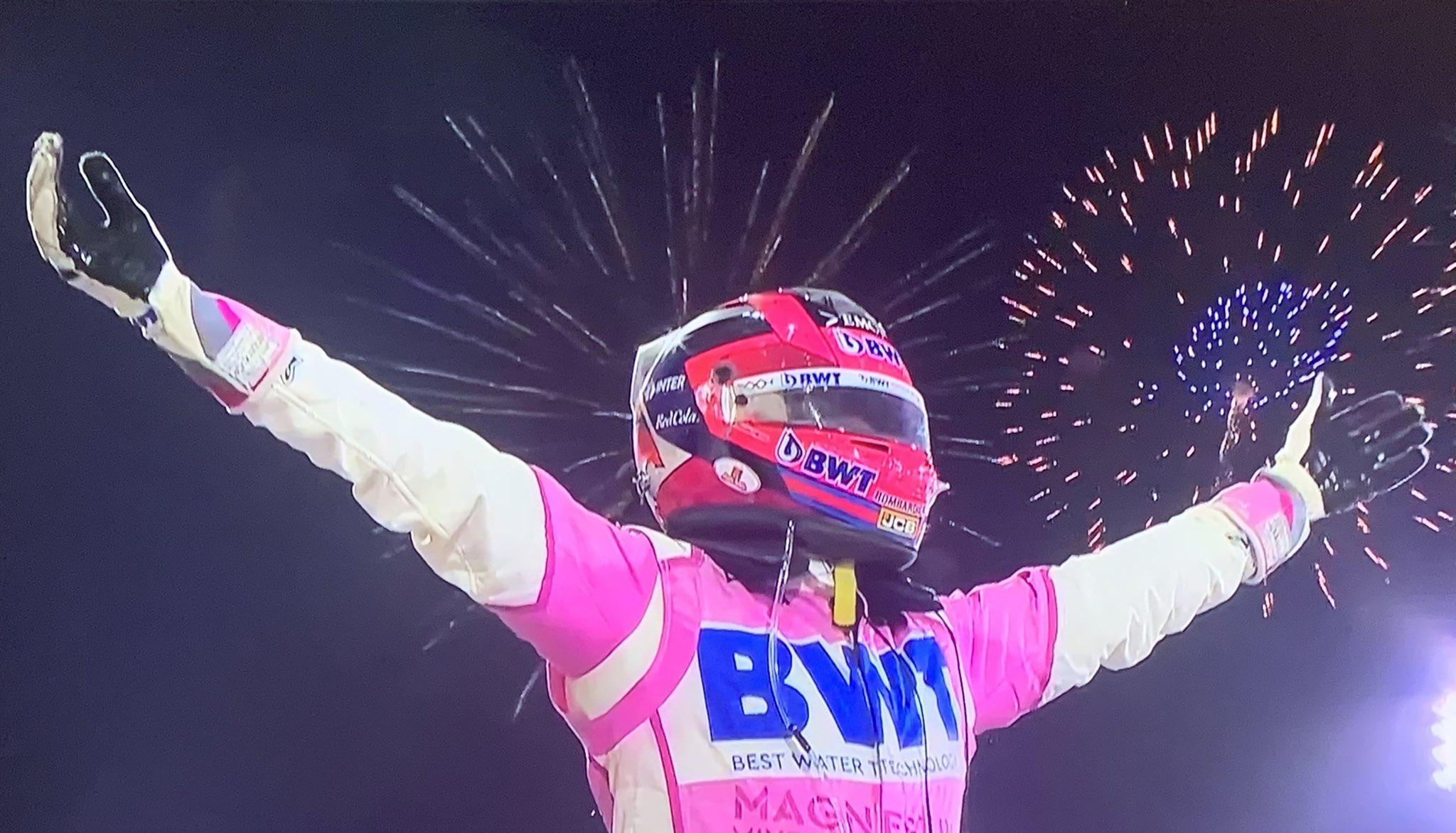 Перес выиграл Гран-при Бахрейна, Расселл почти победил в первой гонке в карьере - фото