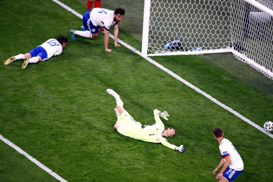 Шунин о Евро-2020 и своем неучастии в двух матчах: Тренер несет ответственность. В том числе и перед командой - фото