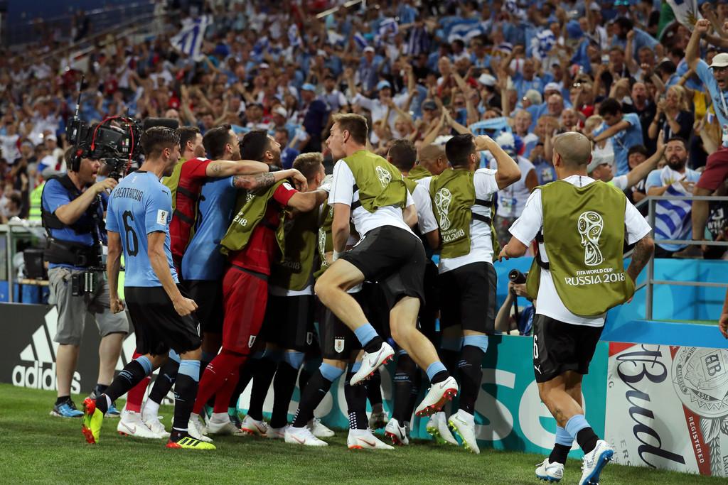 «Пусть твоя женщина смотрит на тебя, как игроки Уругвая смотрят на Оскара Табареса». Как победить всех на чемпионате мира в России - фото