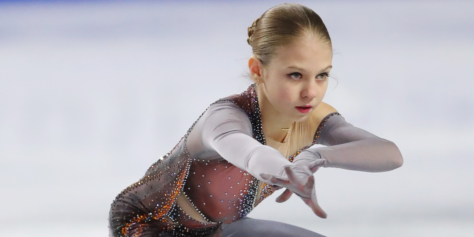 Трусова назвала Медведеву примером трудолюбия - фото