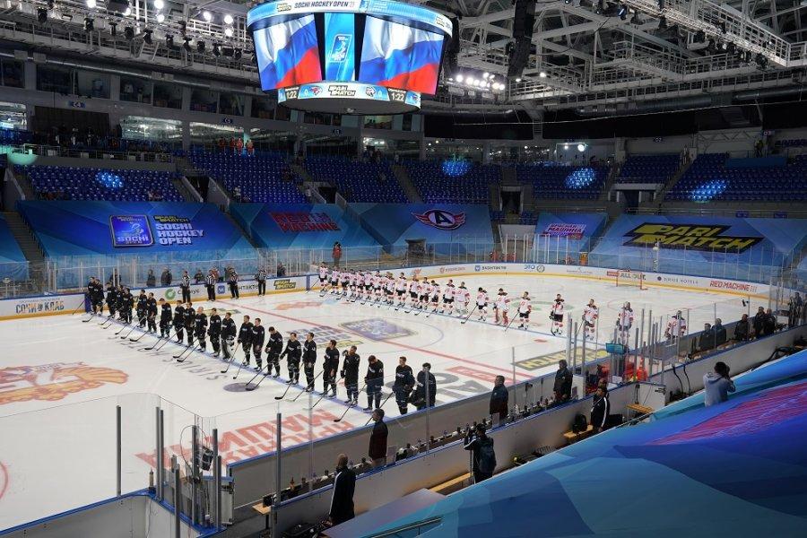 На Parimatch Sochi Hockey Open хотят попасть болельщики. Но «Авангард» и «Трактор» зажгли даже без них