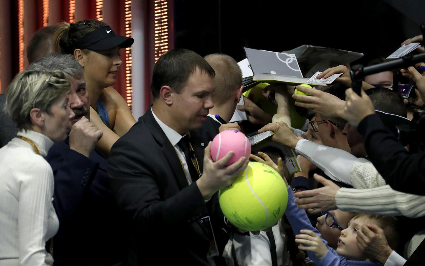 Шарапова снялась с турнира St. Petersburg Ladies Trophy! - фото