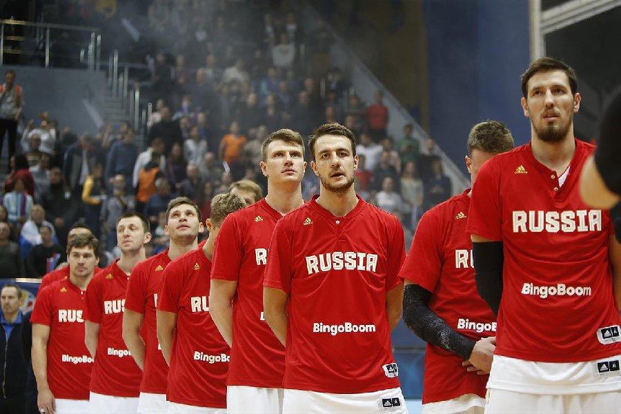 «Пузырь» для сборной России. Мешает ли коронавирус играть в Петербурге - фото
