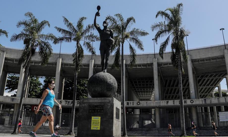 «Это будет беспрецедентная потеря». Что происходит с футболом в Бразилии на фоне пандемии - фото