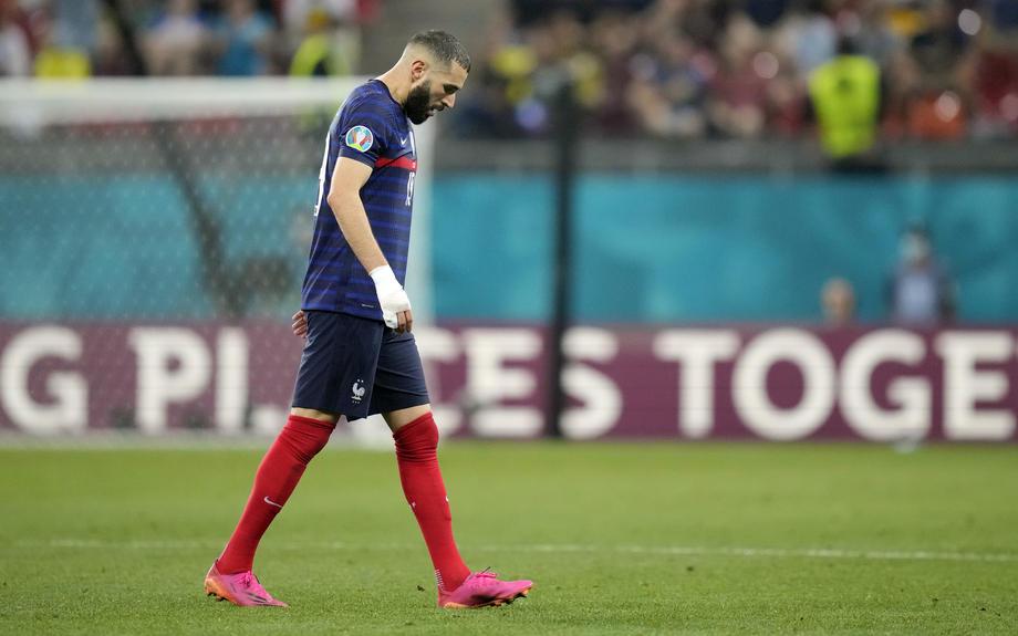 Бензема обратился к нации после неудачного Евро-2020 для Франции - фото