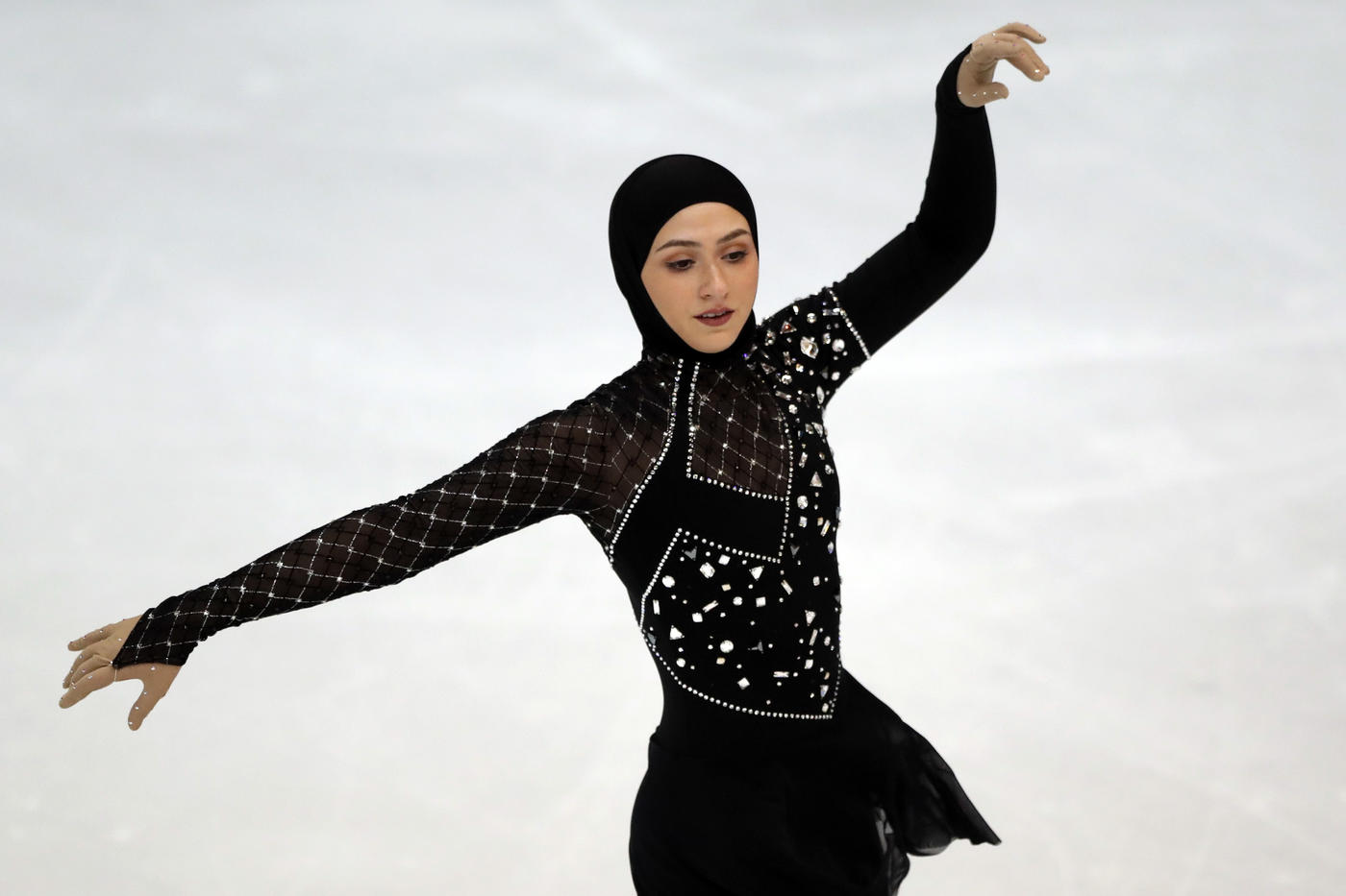 Тренер фигуристки в хиджабе: Захра – медийный персонаж, но в ОАЭ в приоритете хоккей - фото