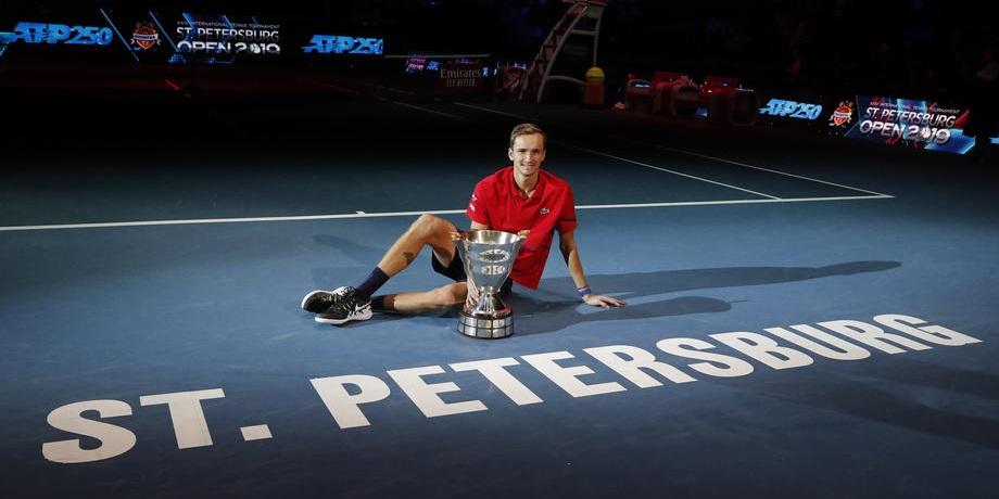 Камельзон рассказал, сыграет ли Медведев на St. Petersburg Open - фото
