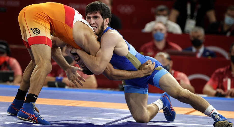 Соперник Угуева укусил Заура до крови в финале Олимпиады-2020 - фото
