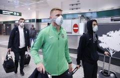 Футболисты «Лудогорца» прилетели на матч против «Интера» в защитных масках - фото