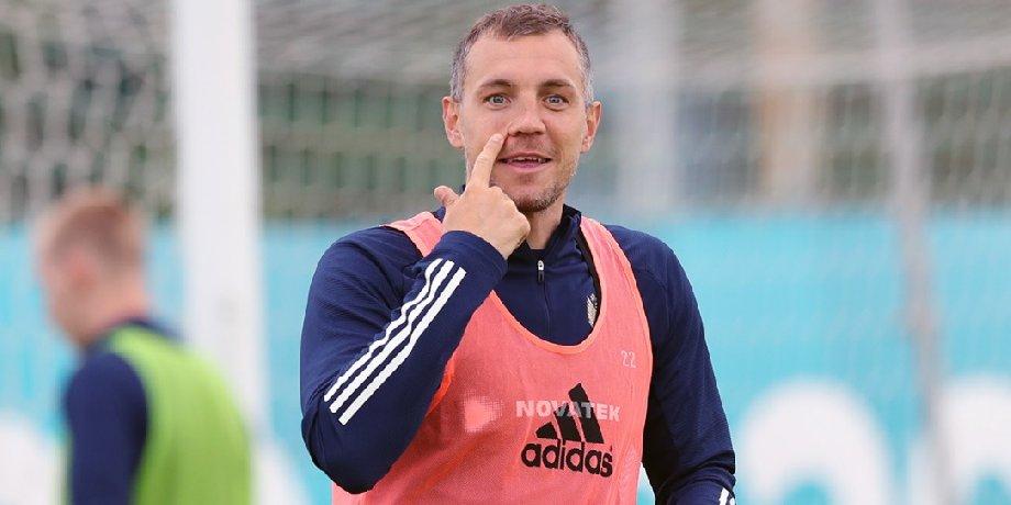 Тихонов считает, что «Зенит» должен выгнать Дзюбу за отказ играть в сборной - фото