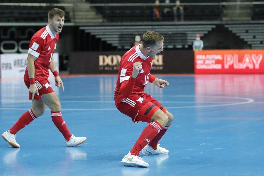 Сборная России с первого места вышла в плей-офф чемпионата мира по мини-футболу - фото
