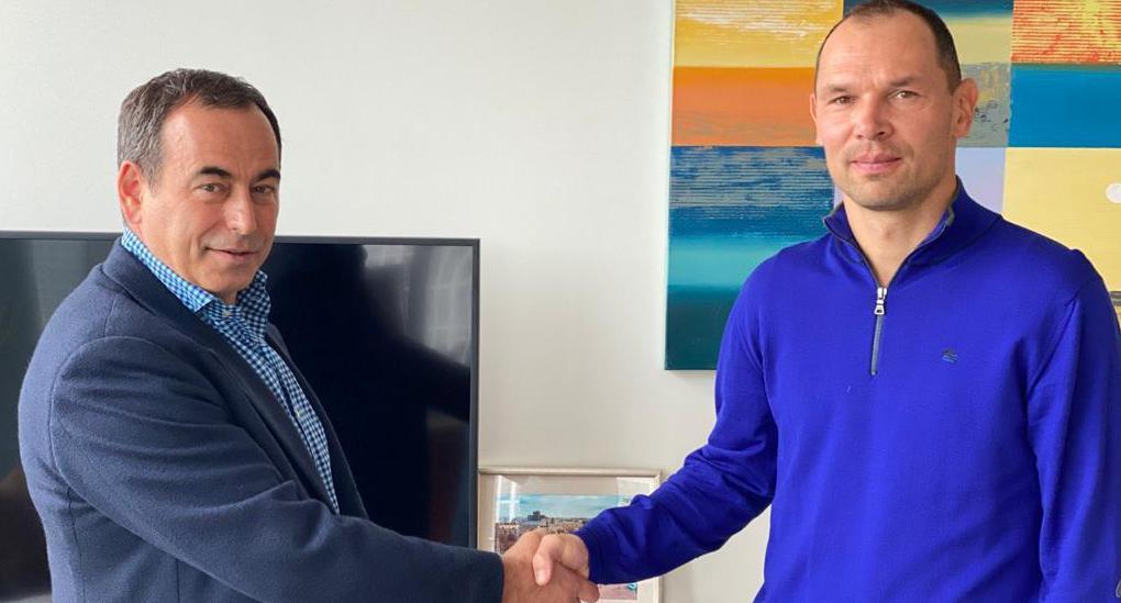 Бывший президент «Торпедо» назвал трех кандидатов на смену Игнашевича - фото