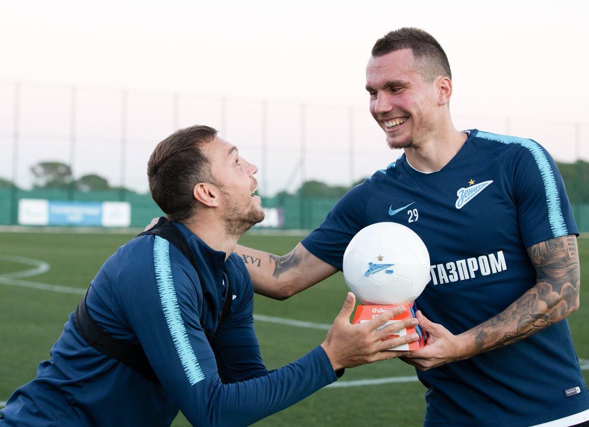 Сергей Ташуев: «Талантов в нашем футболе много, а мы довольствуемся Дзюбой и Заболотным» - фото
