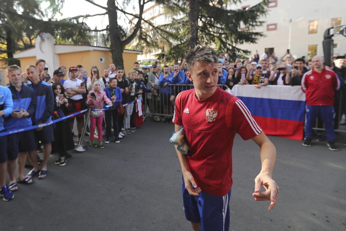Головин вернулся в общую группу накануне матча с Бельгией - фото