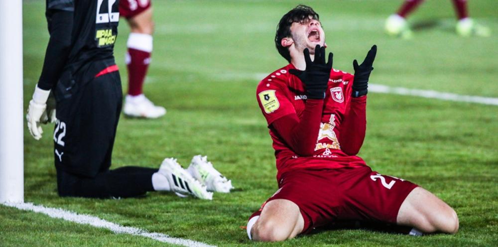 Кварацхелия пропустит ближайшие матчи сборной Грузии из-за переговоров о смене клуба - фото