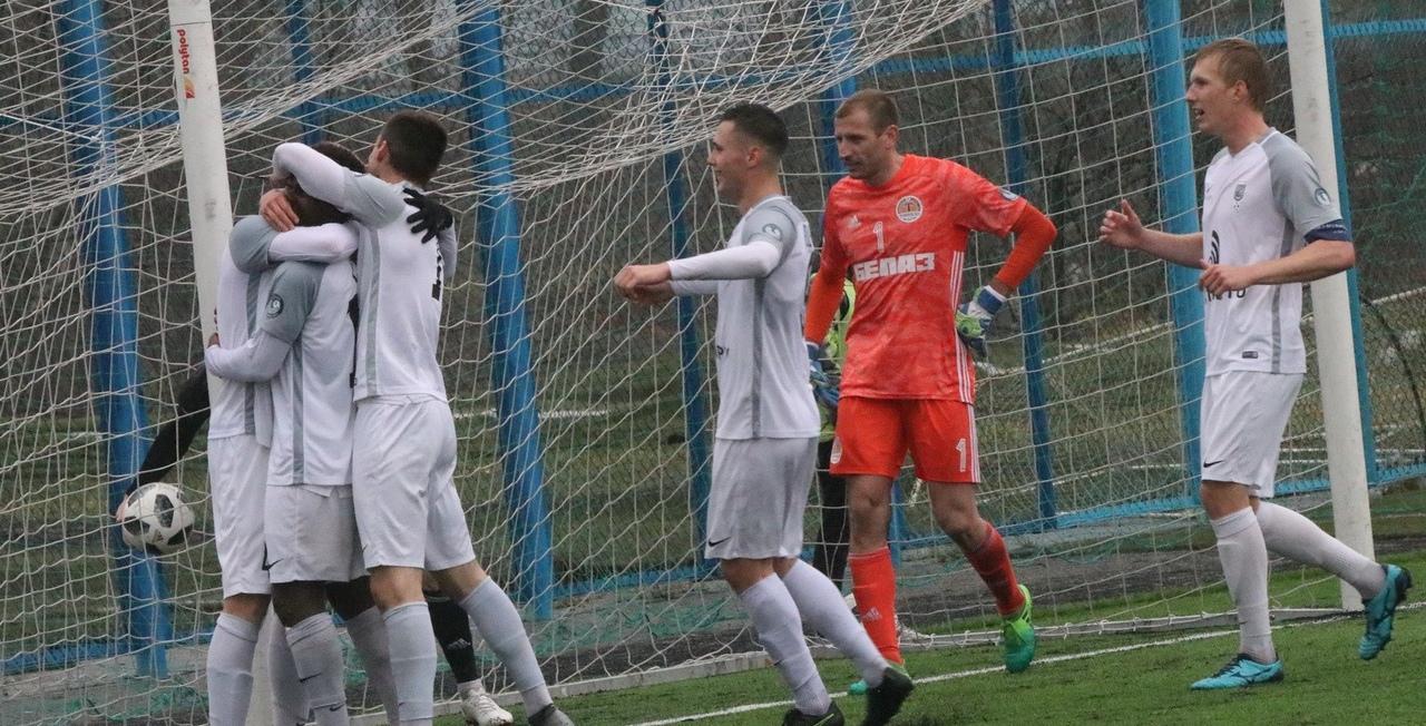 Сергей Ташуев рассказал, почему Беларусь решила начать чемпионат, и сравнил его с РПЛ - фото
