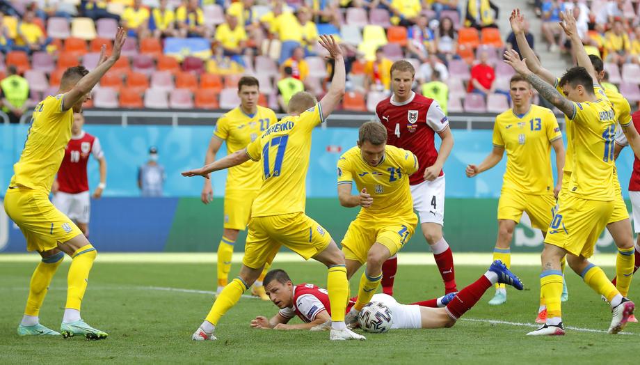 Юрий Семин рассказал о шансах Украины в матче против Швеции - фото