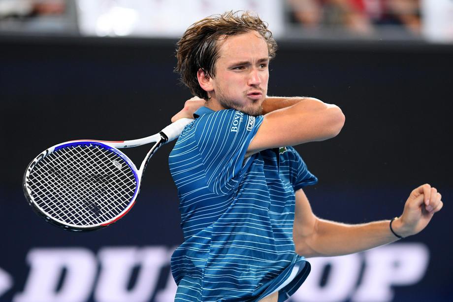 Шарапова и Медведев узнали соперников на Australian Open - фото