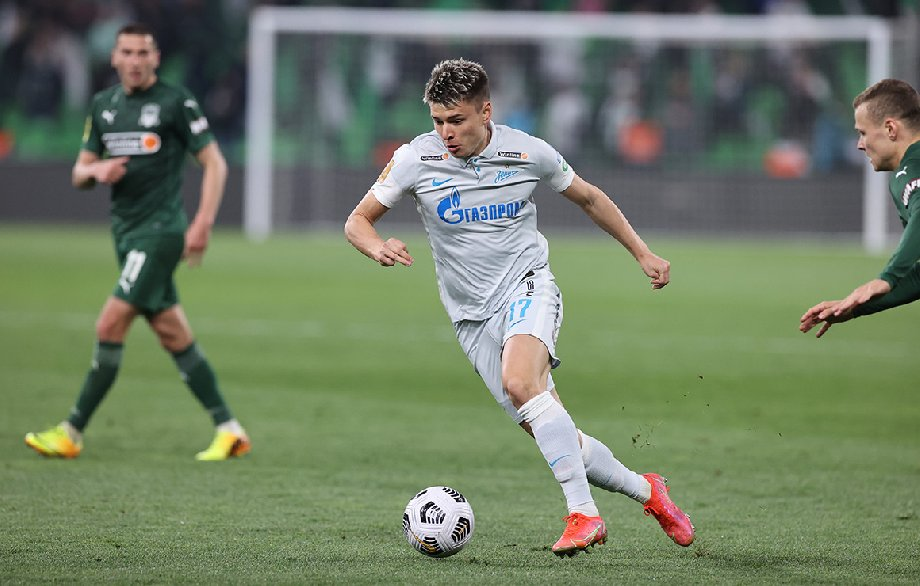 Мостовой включен в заявку «Зенита» на Лигу Чемпионов. Ранее им интересовался клуб РПЛ - фото