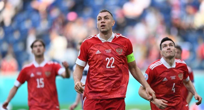 Ветеран ЦСКА заявил, что Дзюбы и Соболева в сборной России быть не должно  - фото