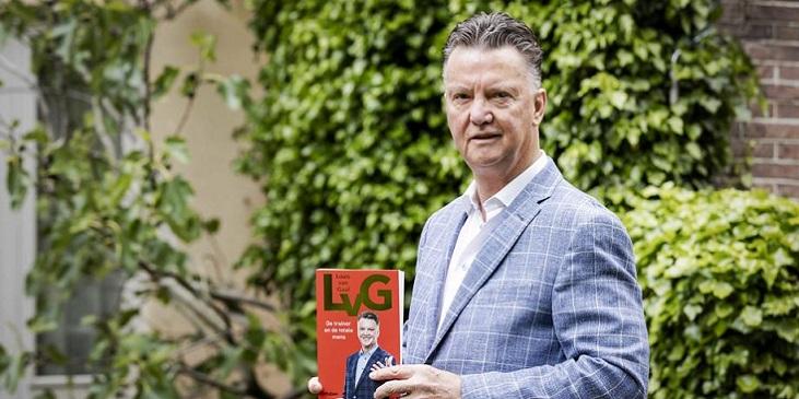 De Telegraaf: Луи ван Гал возглавит сборную Нидерландов на время отбора на чемпионат мира-2022 - фото