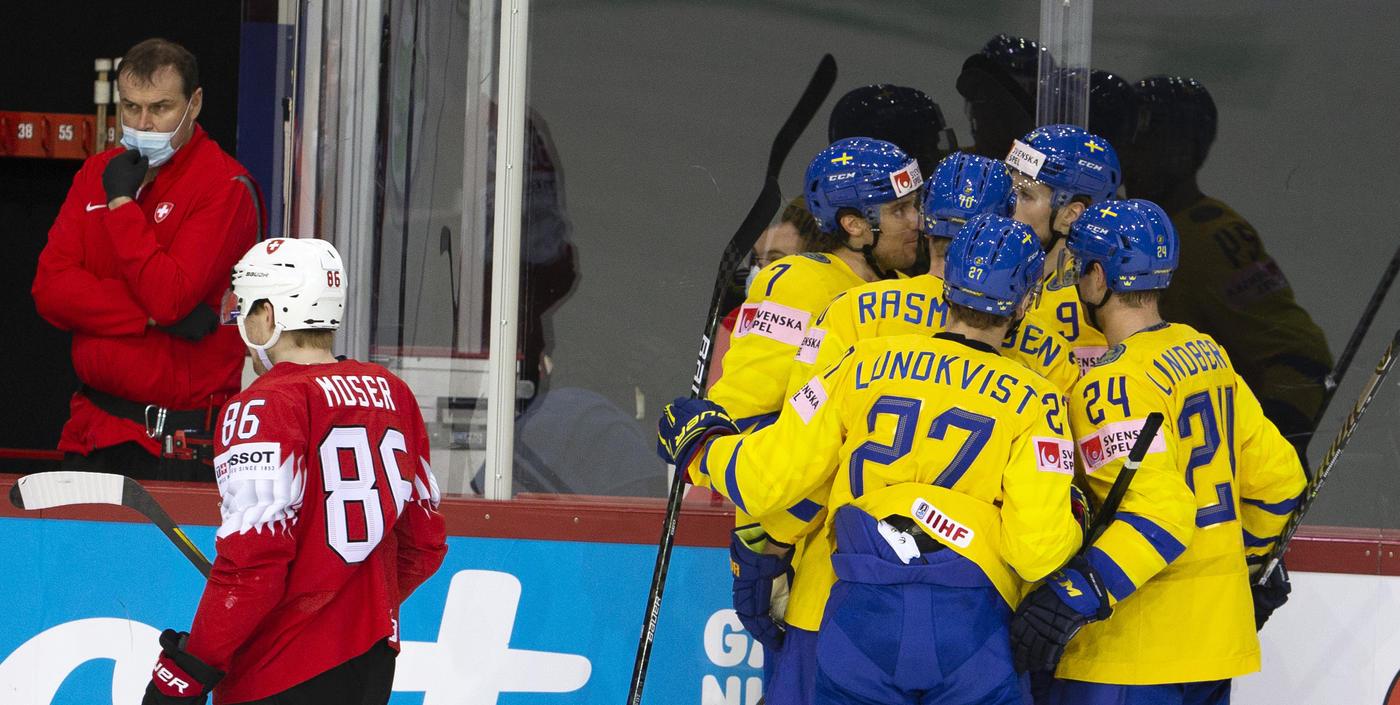 Шведы одержали первую победу на ЧМ, финны разгромили Норвегию - фото
