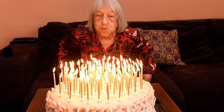 Старейшая олимпийская чемпионка, побеждавшая Латынину и избежавшая Холокоста, отпраздновала 100-летие - фото