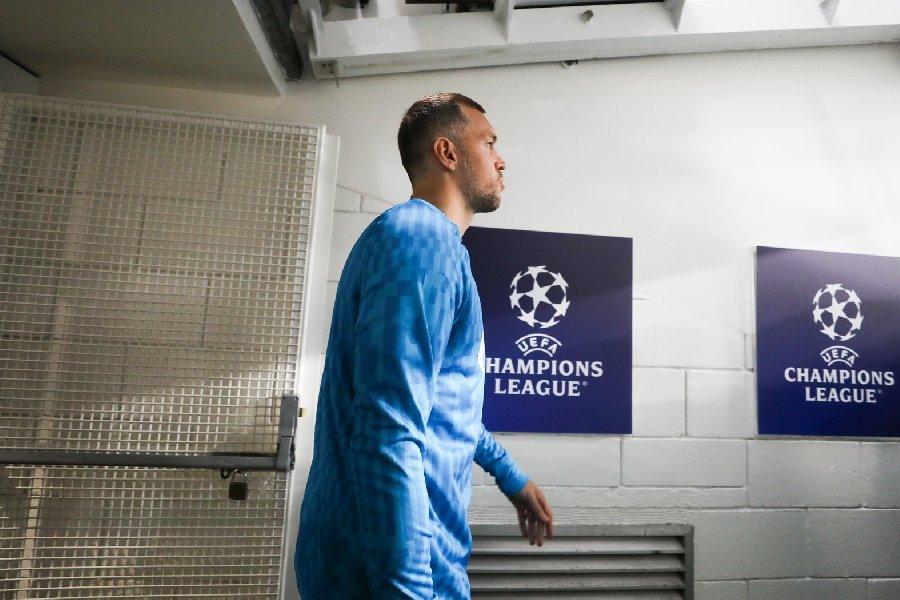 Семак объяснил, почему против «Челси» Дзюба вышел на замену - фото
