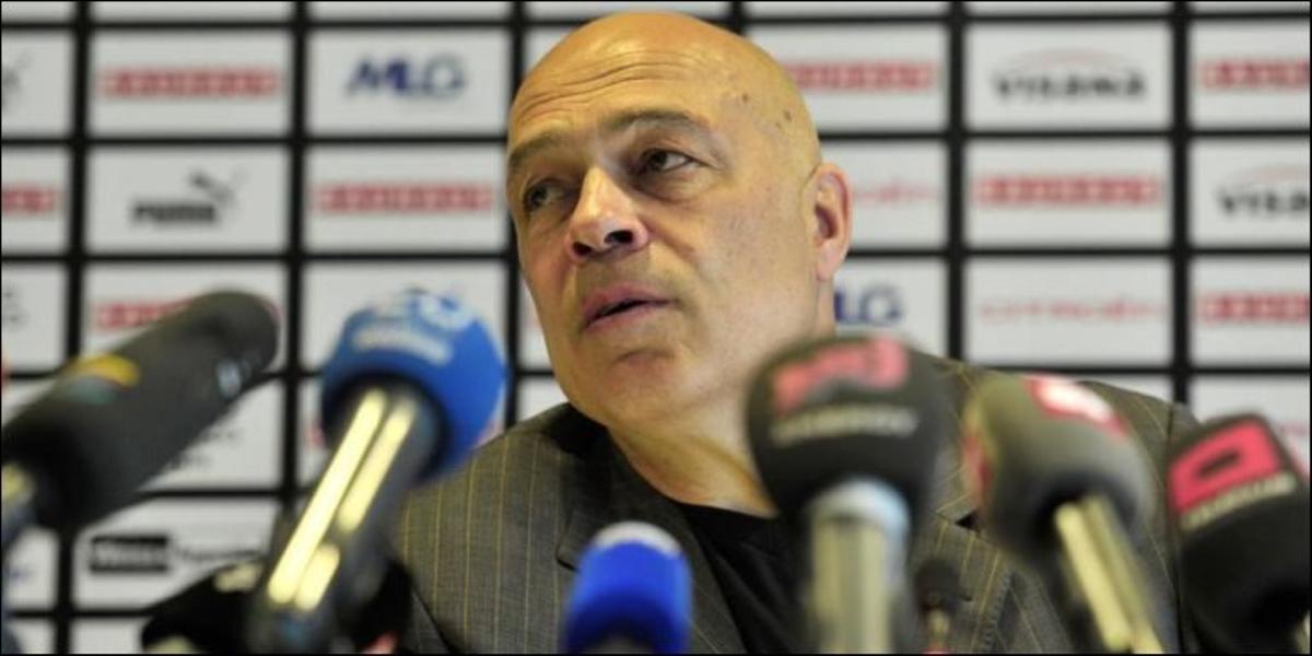 Немецкий «Шальке» третий раз за сезон уволил главного тренера - фото