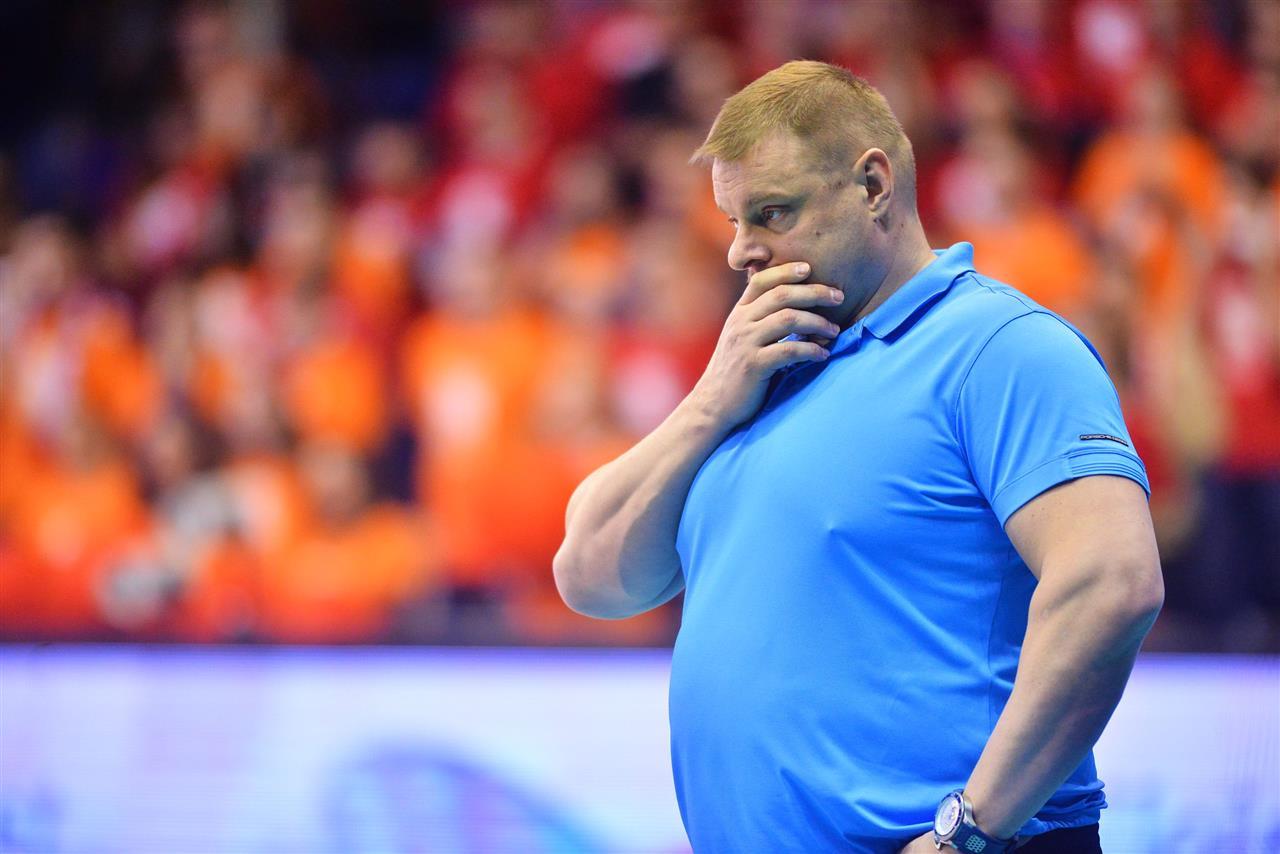 Тренер чемпионской сборной России готов уехать в Иран - фото