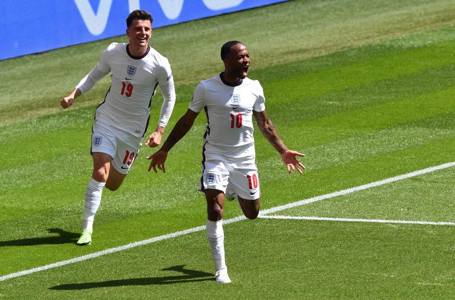 Англия впервые выиграла стартовый матч чемпионата Европы - фото