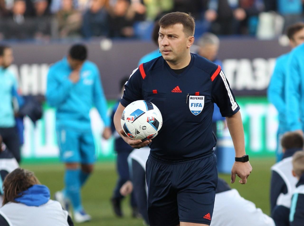 Арбитр Вилков рассказал о переживаниях после пожизненного отстранения - фото