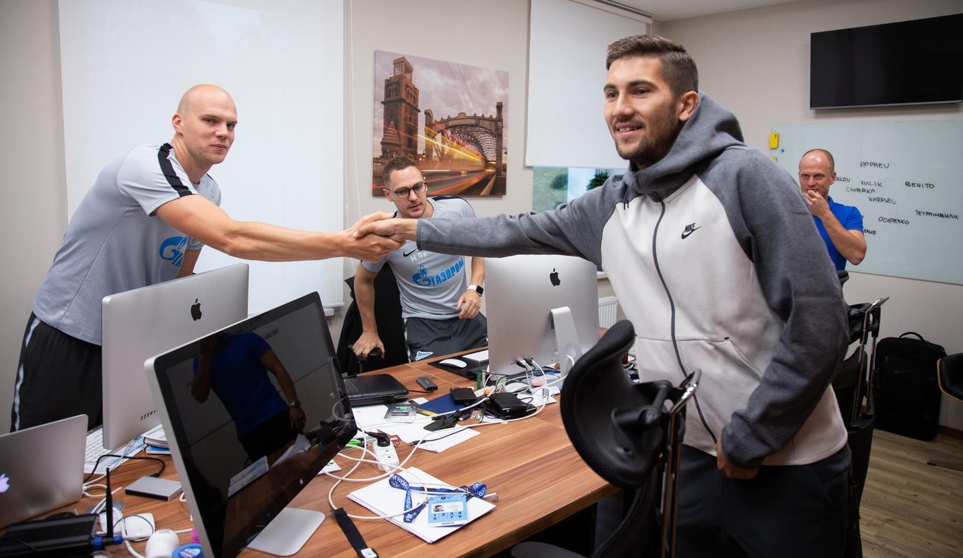 Александр Медведев прокомментировал детали перехода Сутормина в «Зенит» - фото