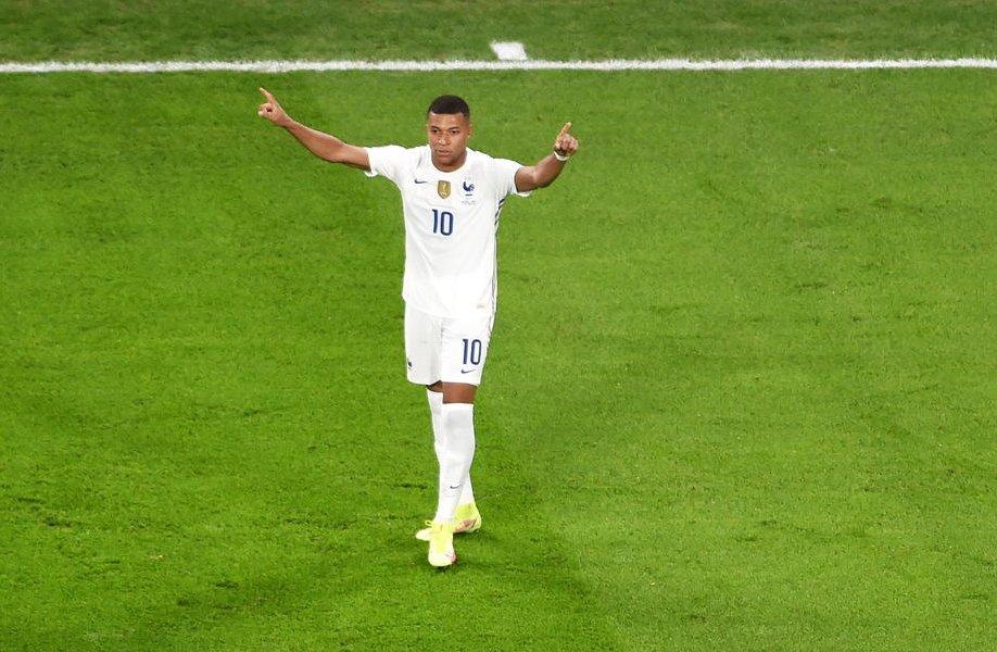 Действующий чемпион мира вышел в финал Лиги наций - фото
