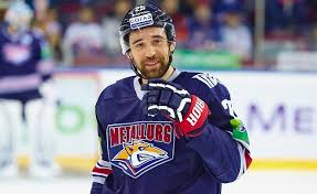 Данис Зарипов может продолжить карьеру в НХЛ - фото