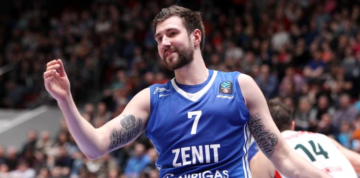 «Зенит» расстался с Карасевым, игрока не устроила новая зарплата - фото