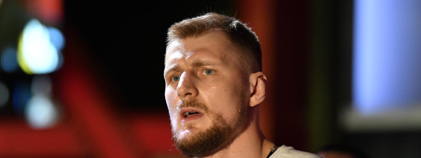 Волков победил на турнире UFC в Лас-Вегасе - фото