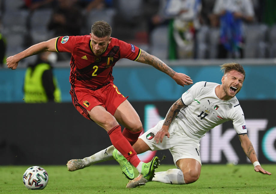 Итальянцы обыграли Бельгию в четвертьфинале Евро-2020 - фото