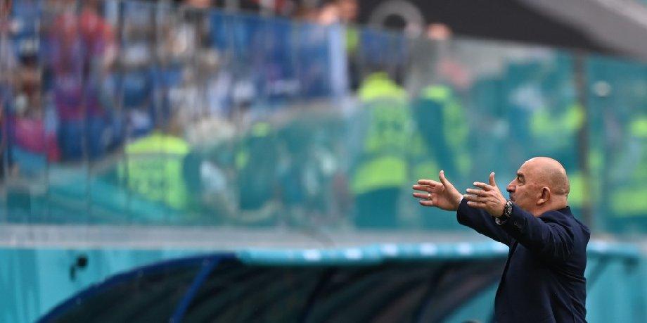 Черчесов – о провале сборной России на Евро-2020: Перенос чемпионата Европы на год сыграл с нами плохую шутку - фото