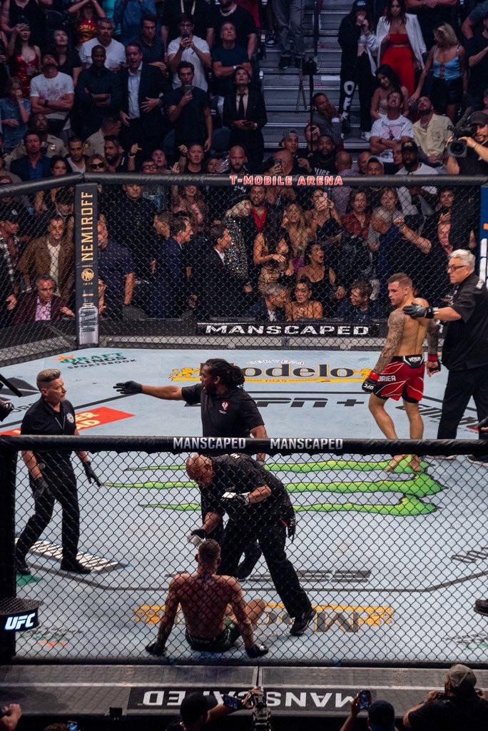 «Это еще не конец»: Макгрегор отреагировал на поражение от Порье  - фото