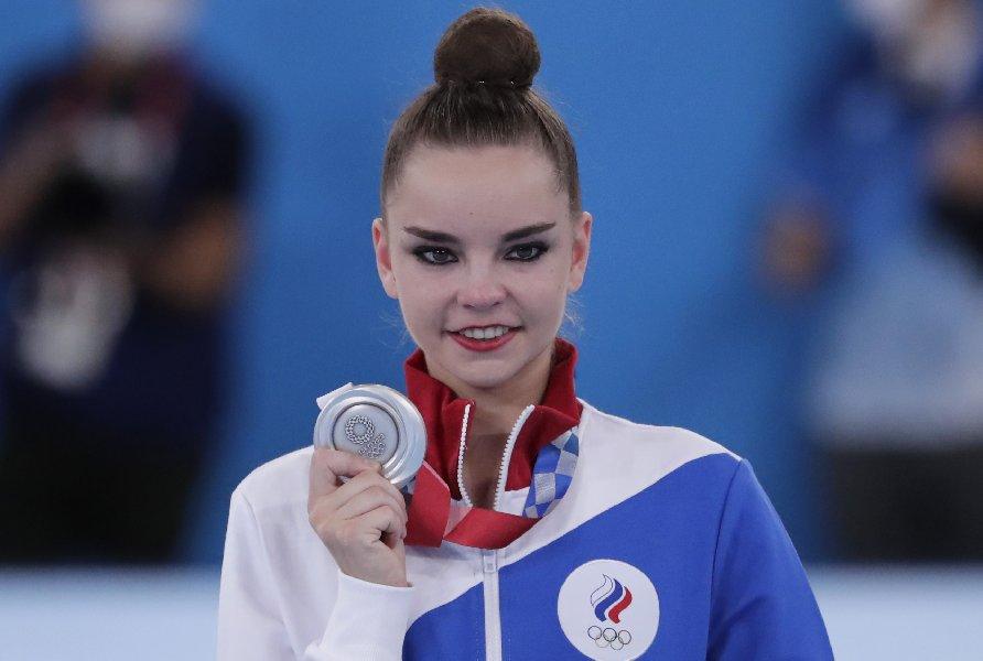 Тихонов призвал бороться за права российских спортсменов после скандала с Авериной - фото